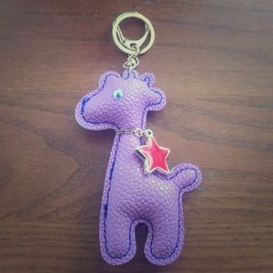 Accessories - 🐶 (3/$20!) NWOT Purple 🦒 giraffe keychain/charm